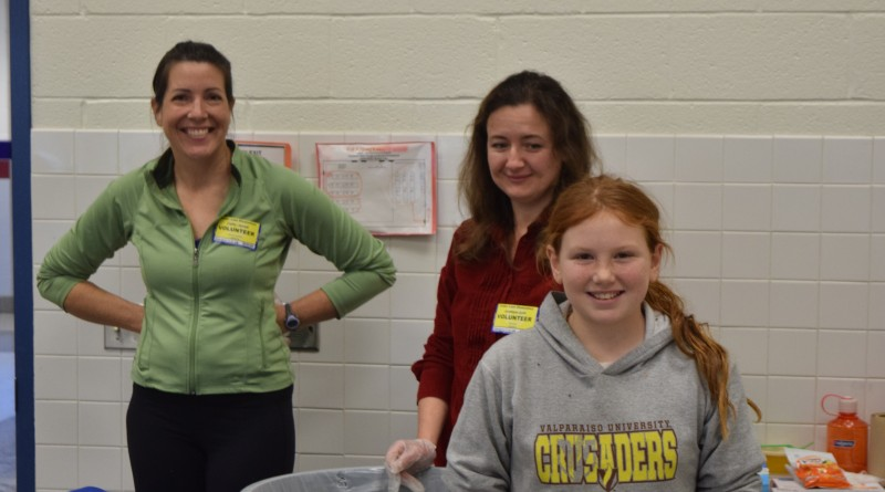 Erin Mason helps the Food Recovery Program at Cedar Lane Elementary.