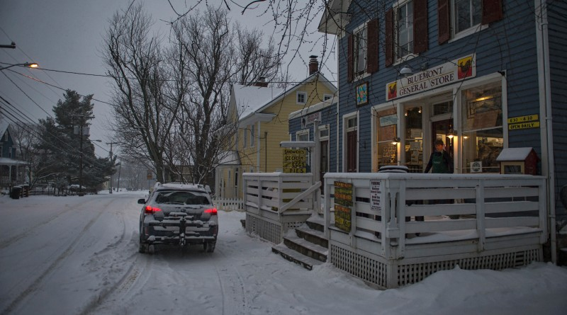 The Bluemont County Store remains open in the village of Bluemont during heavy snow fall Friday evening.    [Photo by Douglas Graham/Loudoun Now]