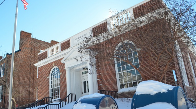 The post office in downtown Leesburg was under 34 inches of snow Jan. 23, 2016. (Danielle Nadler/Loudoun Now)f