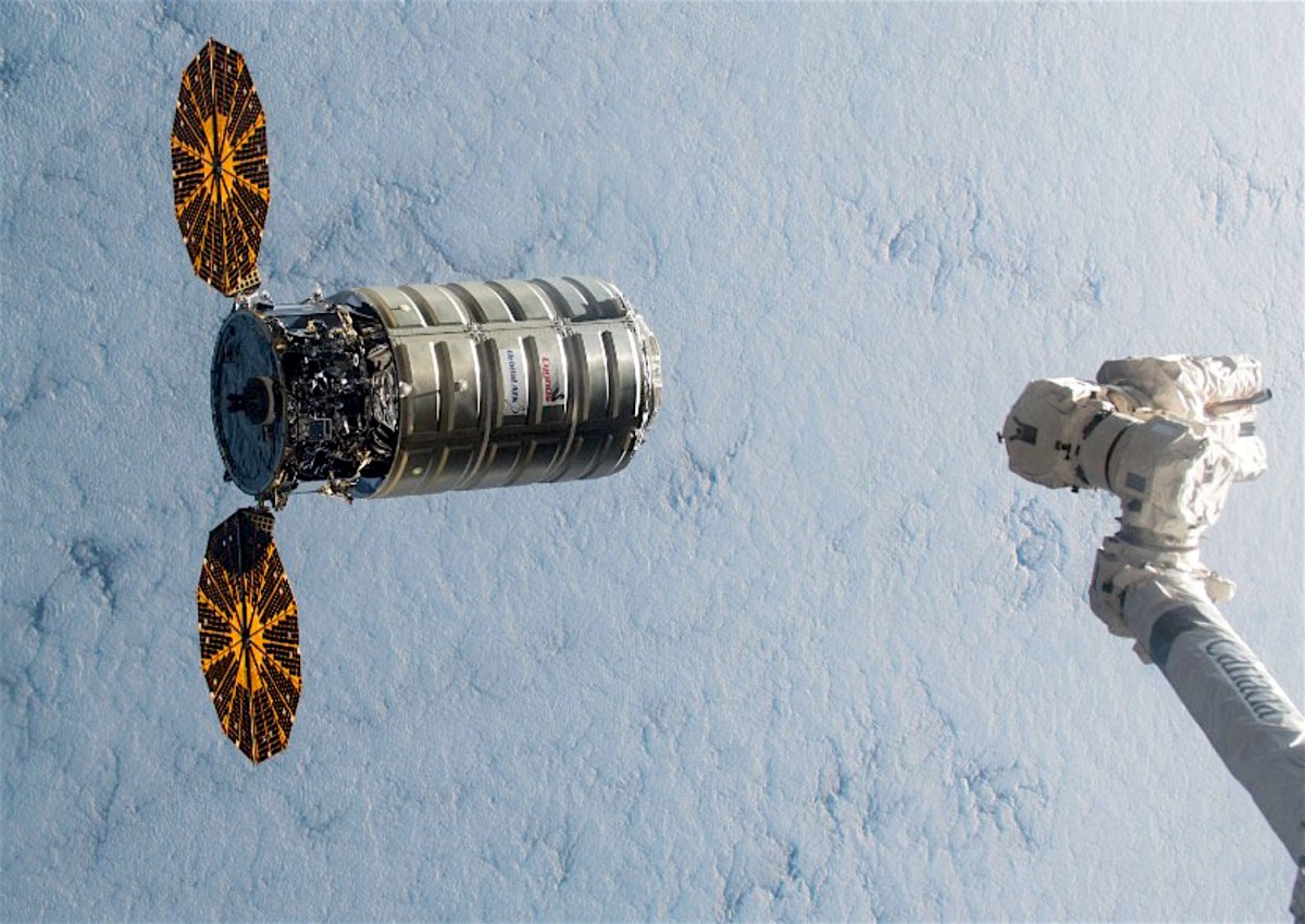 Orbital Atk Wins 1 5b Contract To Continue Space Station