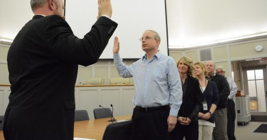 Dave Bulter is sworn in as Leesburg's new mayor.