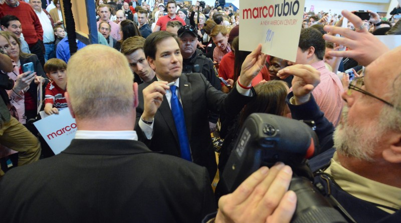 U.S. Sen. Marco Rubio (R-FL) hands out signatures after speaking at a rally at Patrick Henry College.