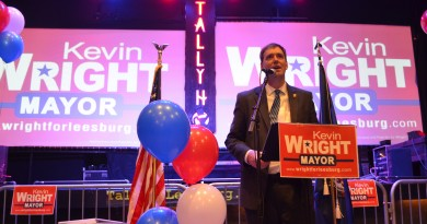Kevin Wright addresses town leaders and supporters at an event Saturday to kick off his campaign for Leesburg mayor. (Danielle Nadler/Loudoun Now)