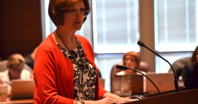 A Family Life Education teacher addresses the School Board. (Danielle Nadler/Loudoun Now)