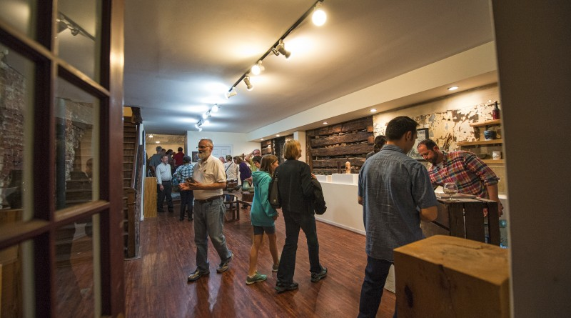 UNITED STATES - April 1, 2016: Large crowds attended First Friday in Leesburg on April 1, 2016 where every shop and restaurant in downtown has live music, wine tastings and little art exhibits.  (Photo by Douglas Graham/Loudoun Now)