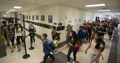 Mercer Middle School in Aldie enforces strict traffic patterns to move 1,605 students between classes. By this fall, the school will have 688 students more than its building is designed to hold. (Ali Khaligh/Loudoun Now)