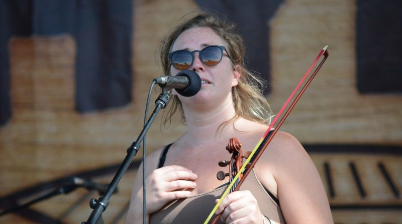 Wild Child violinist and lead singer Kelsey Wilson. (Renss Greene/Loudoun Now)