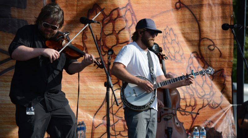 Bluegrass/folk rock band Trampled By Turtles headlined the event. (Renss Greene/Loudoun Now)