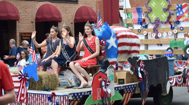 The Loudoun County Fair float in the Leesburg Independence Day parade.