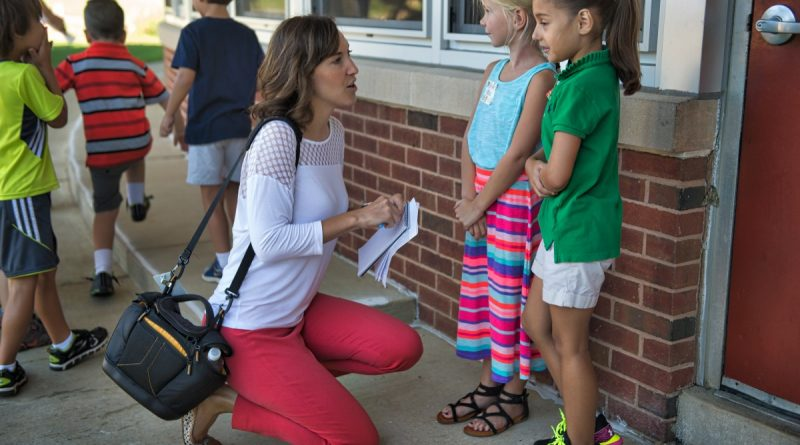 Loudoun Now Managing Editor Danielle Nadler talks with students at the Hillsboro Charter Academy.  [Douglas Graham/Loudoun Now]