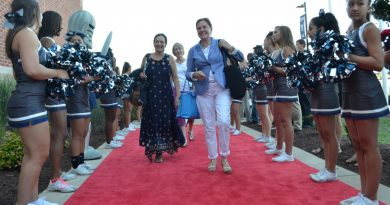 New hires got a big, red-carpet welcome Friday morning. (Danielle Nadler/Loudoun Now)