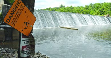 The Goose Creek spillway was at the center of a controversy between the Loudoun Soil and Water Conservation District and Loudoun Water after water stopped flowing over it in September 2015. (Renss Greene/Loudoun Now)