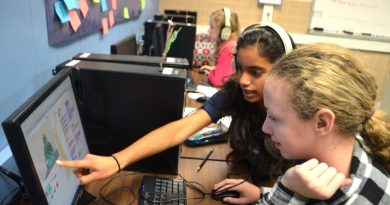 Students take part in a computer science class at Blue Ridge Middle School. By the start of their eighth-grade year, many Loudoun students are weighing whether to apply for Thomas Jefferson High School in Fairfax County. [Danielle Nadler/Loudoun Now]