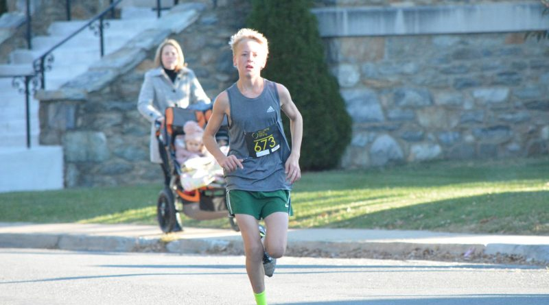 Noah Peterson placed third in the 2016 Purcellville Turkey Trot, finishing with a time of 19:26.