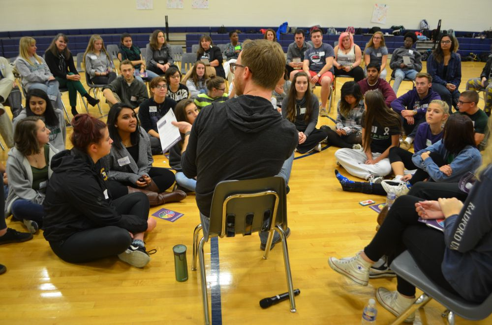 Scott LoMurray, who runs the Sources of Strength suicide prevention program, leads a training session with Woodgrove High School students Nov. 10. [Danielle Nadler/Loudoun Now]