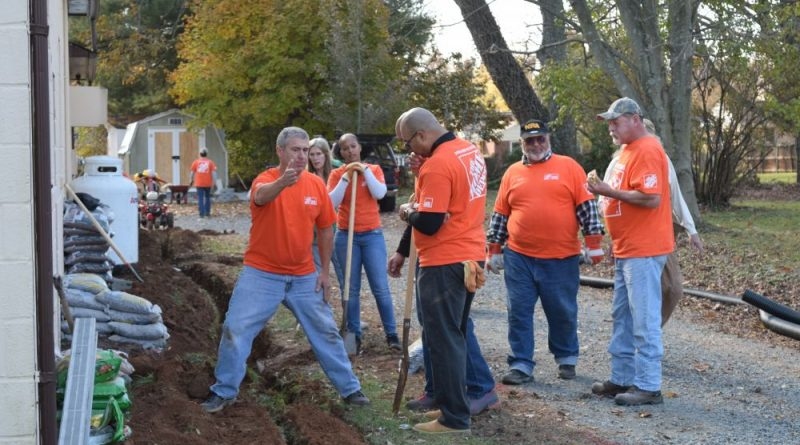 Team Depot workers at VFW Post