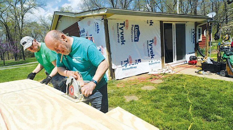Habitat celebrates 25 years of housing loudoun families for Habitat for humanity houses for rent