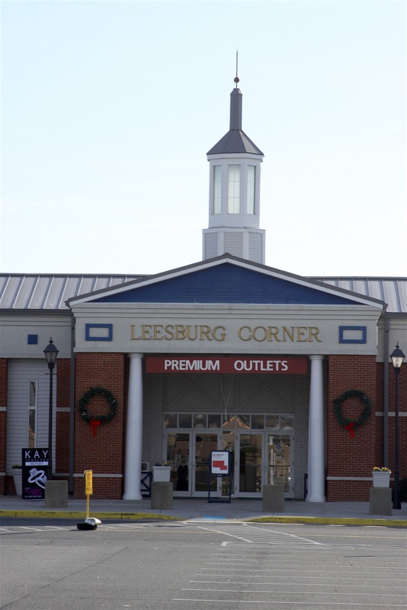 4c150ed18a Two New Stores Open at Leesburg Outlets – Loudoun Now