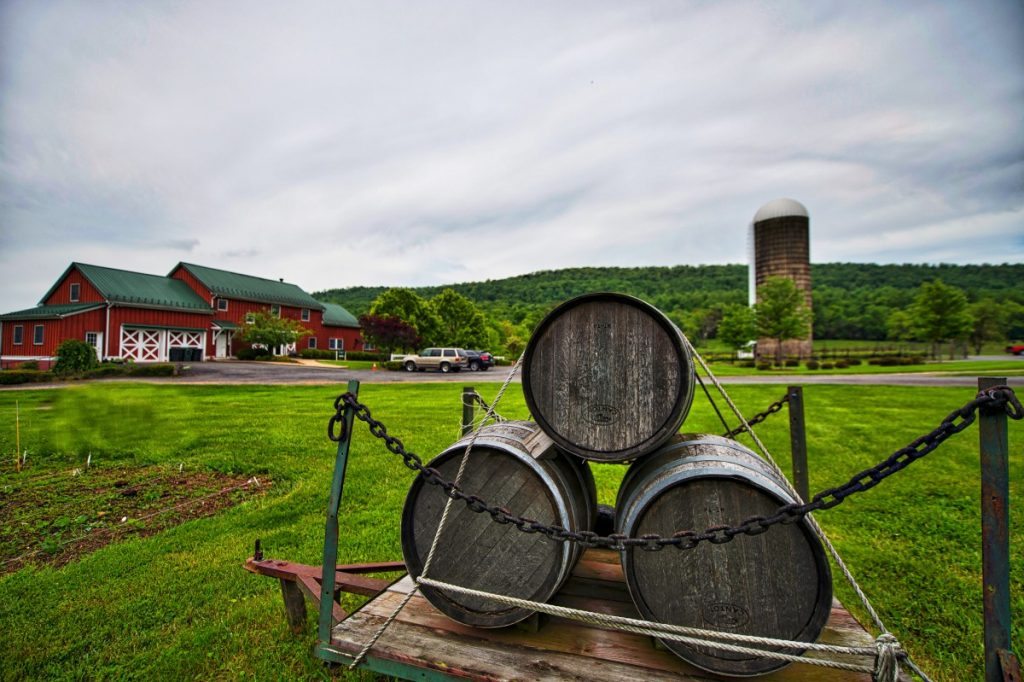 Doukénie Winery sits on Mountain Road near Hillsboro. (Douglas Graham/Loudoun Now)