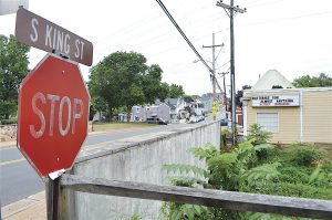 A Loudoun developer wants to turn the rundown property on South King Street near the W&OD Trail into a development with housing and space for retail or a restaurant. [Danielle Nadler/Loudoun Now]