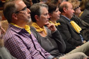 Opponents of the project crowd into the boardroom wearing yellow to signify their resistance. (Renss Greene/Loudoun Now)