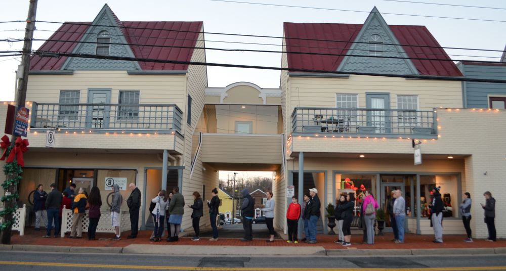 Eager customers line up at B Doughnut ahead of the new shop's 7 a.m. opening today. [Danielle Nadler/Loudoun Now]