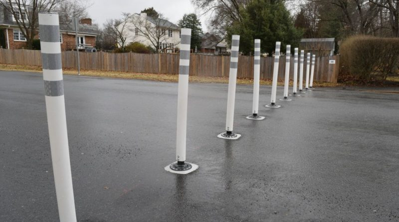 Dead End: Traffic Barriers Go Up in Country Club Hills – Loudoun Now