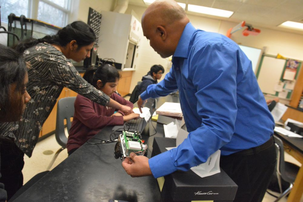 Robo-class: Middle School Students Get Hands on with STEM